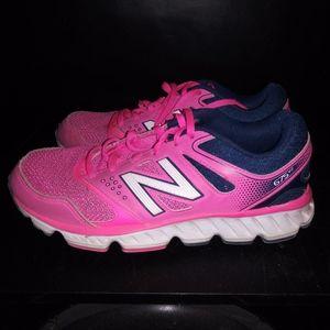 New Balance 672 V2 shoes sz 8